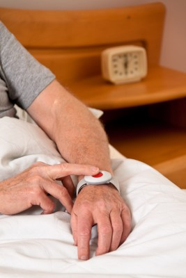 Medical Alert and Identification Jewelry and Tags for the Elderly